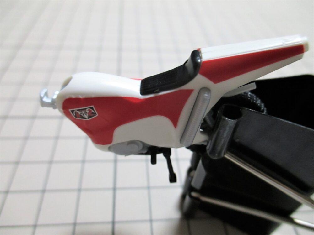 仮面ライダーシリーズ 新サイクロン号 デカール貼り